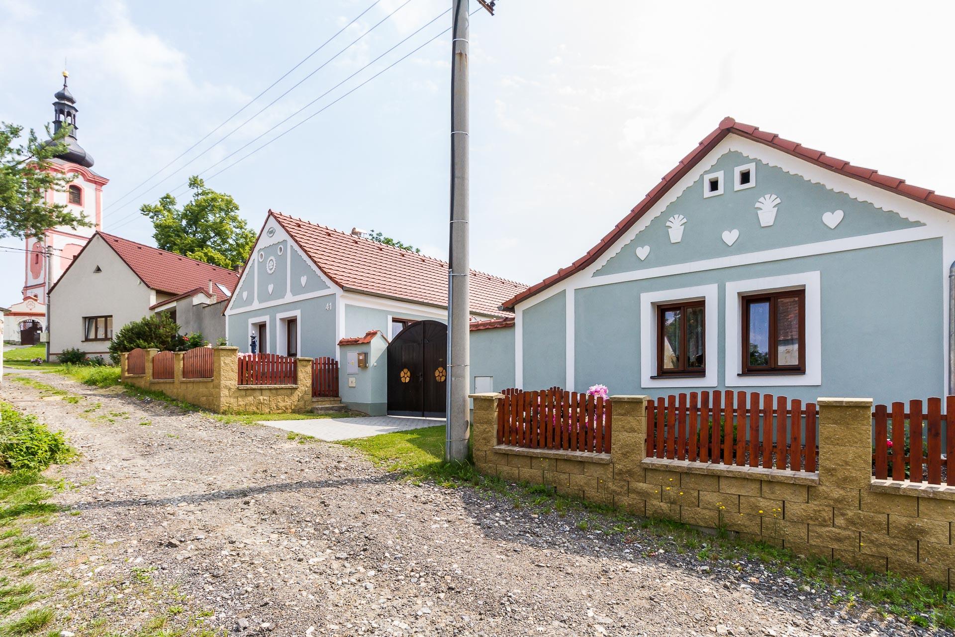 Prodej zrekonstruovaného jihočeského stavení o dvou domech Dráchov