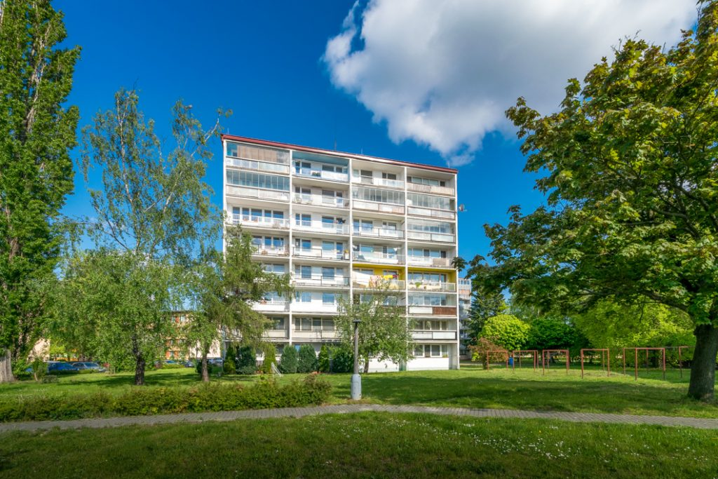 Pronájem bytu 3+1 86 m2 s balkonem, lodžií a kójí Lysá nad Labem