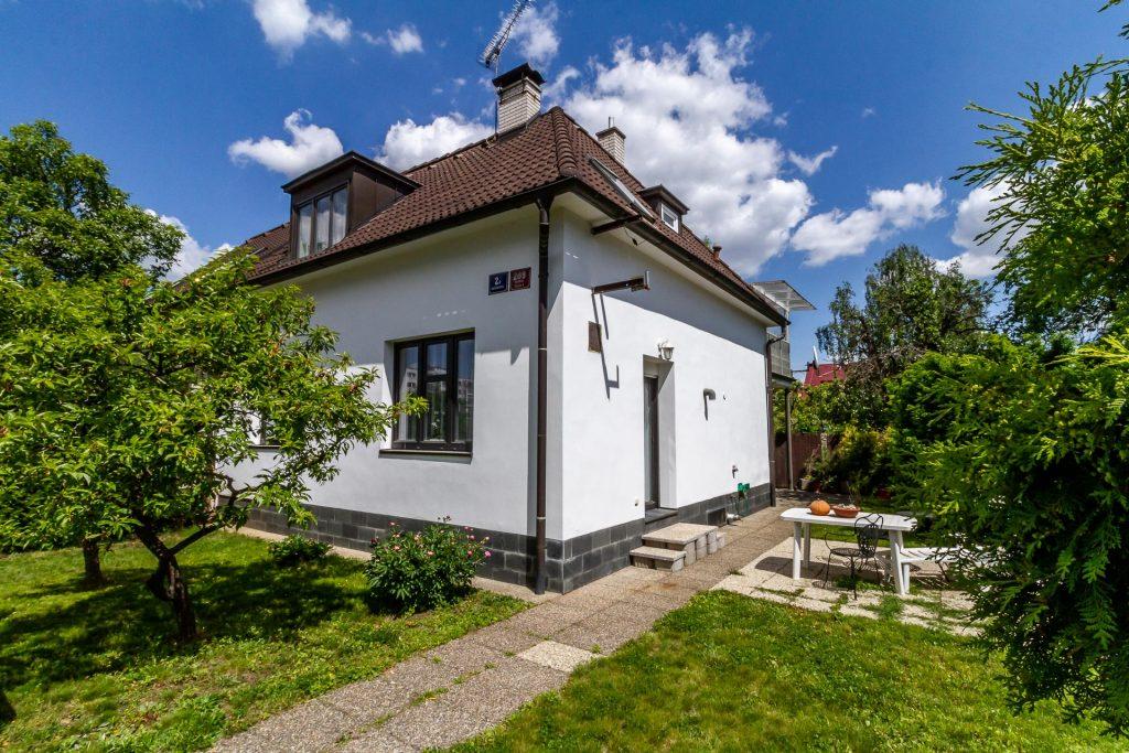 Prodej rodinného domu 4+1 v Praze 8 – Bohnicích
