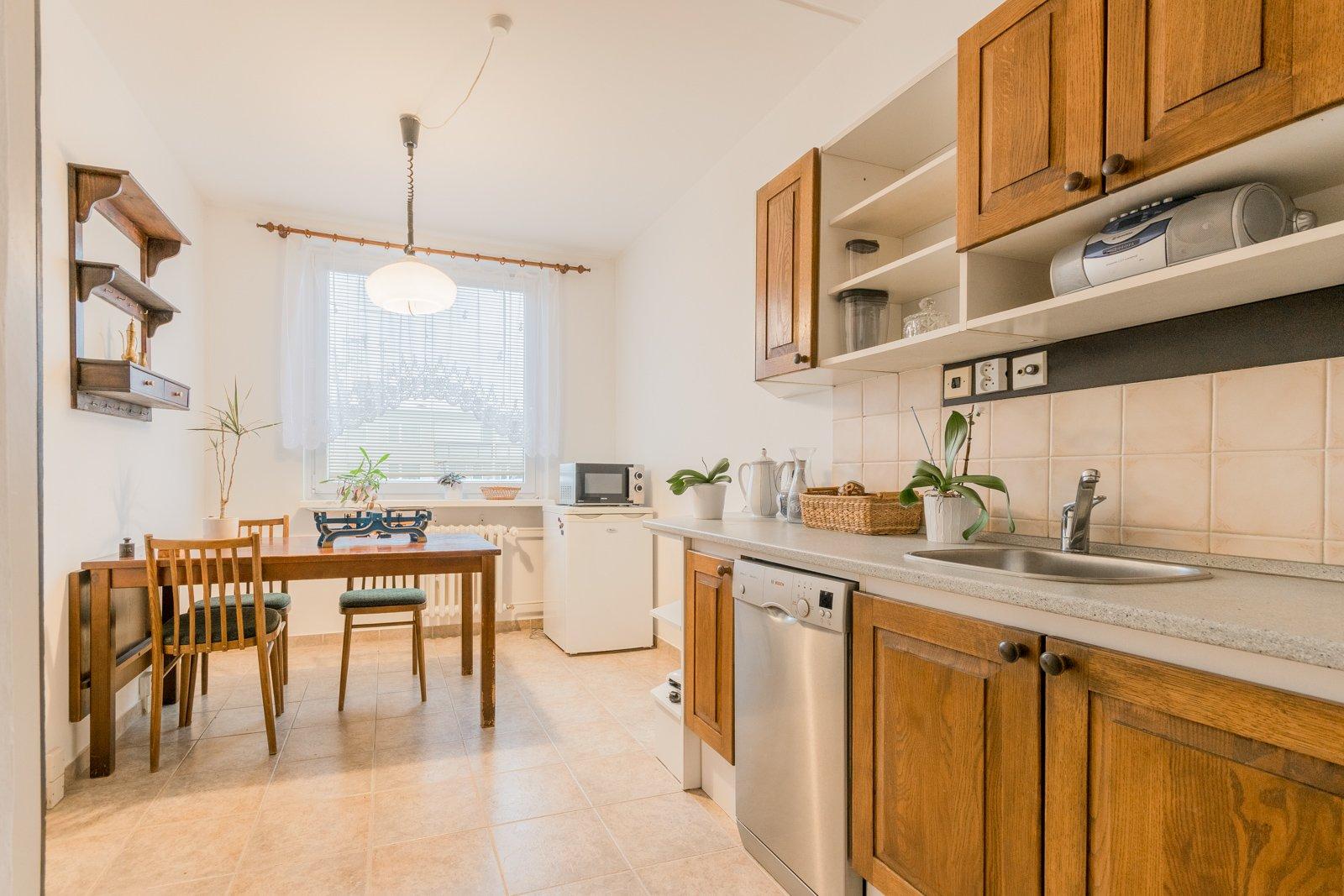 Pronájem bytu 3+1 76 m² se zasklenou lodžií a sklepní kójí