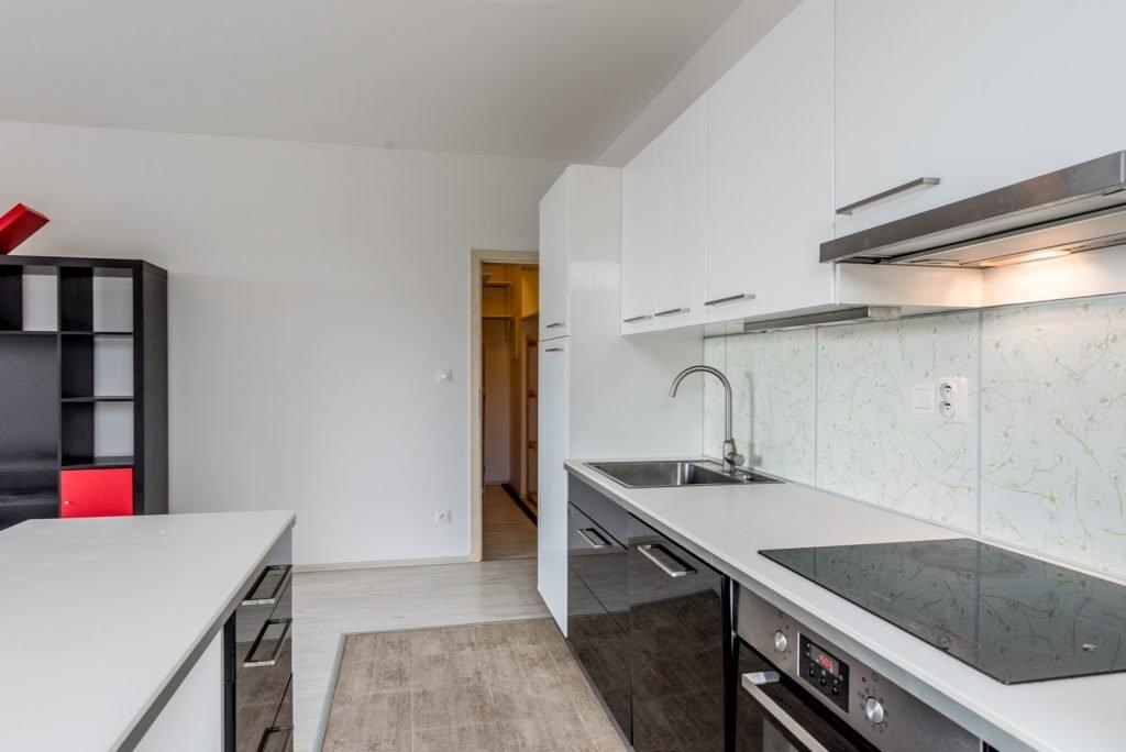 Pronájem bytu 2+kk 57 m²+ terasa a garážové stání
